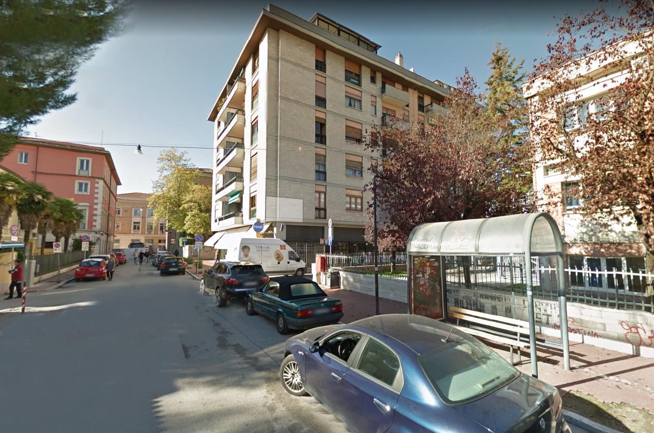 Attico / Mansarda in vendita a Teramo, 8 locali, zona Località: CentroStorico, Trattative riservate | CambioCasa.it