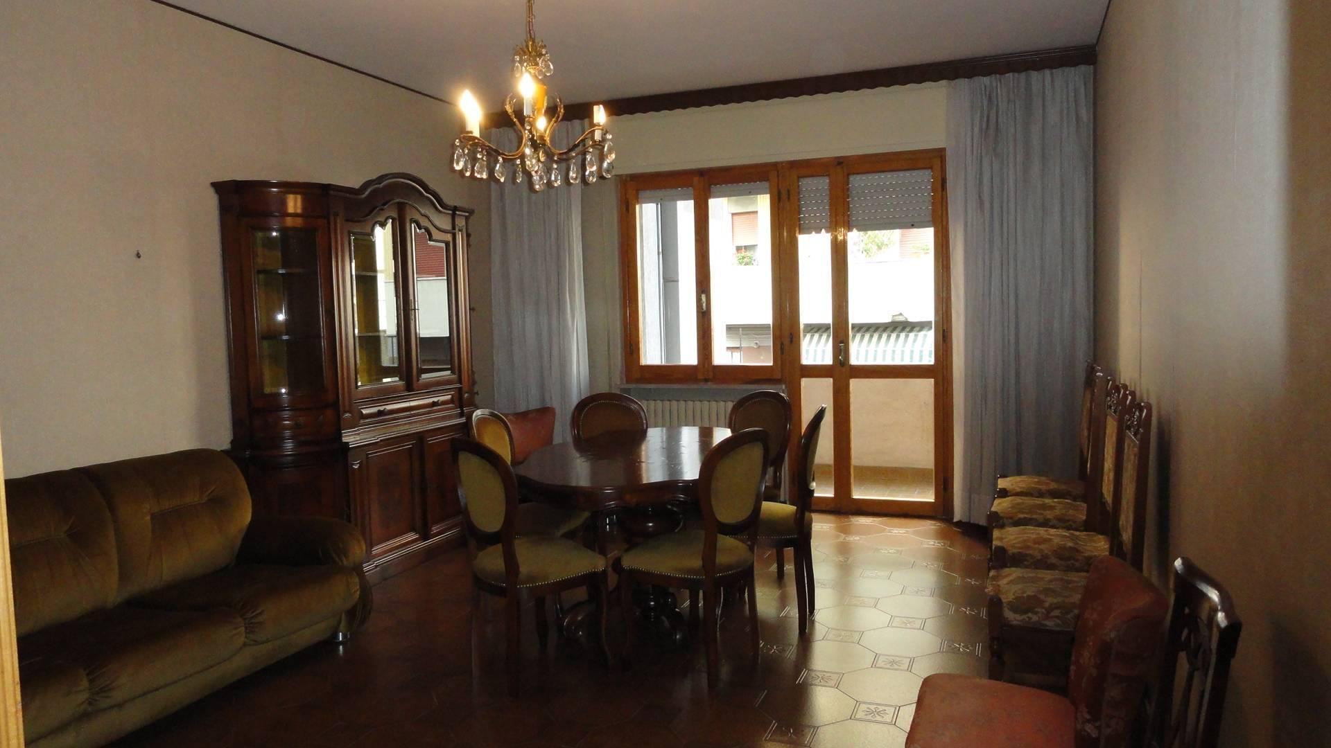 Appartamento in affitto a Teramo, 5 locali, zona Località: Stazione, prezzo € 420 | CambioCasa.it