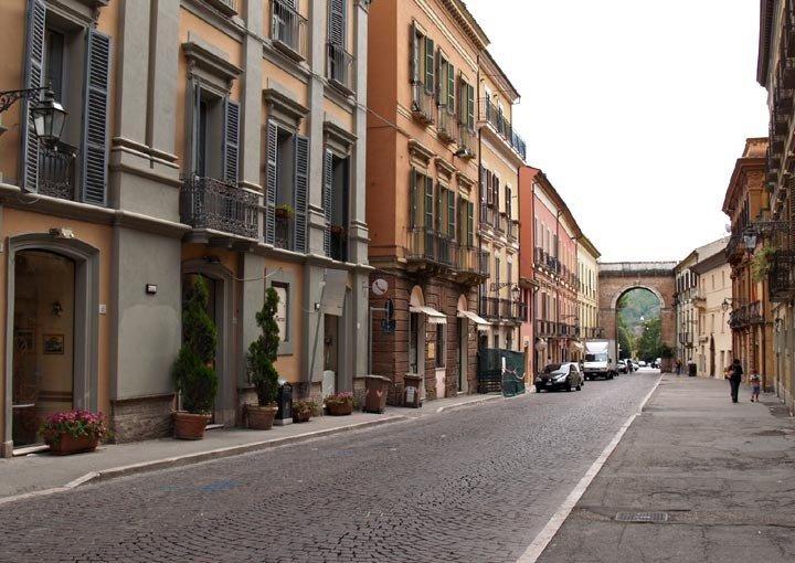 Ufficio / Studio in affitto a Teramo, 9999 locali, zona Località: CentroStorico, prezzo € 550 | CambioCasa.it
