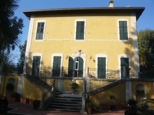 Villa vendita MARTINSICURO (TE) - 7 LOCALI - 1600 MQ