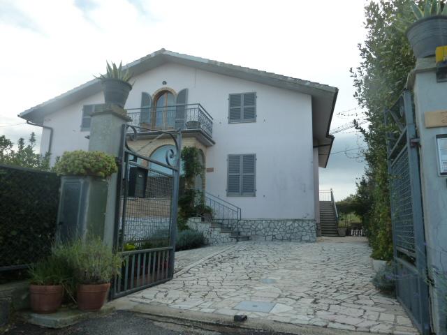 Vendita              villa singola Ripatransone 14 540 M� 540.000 €