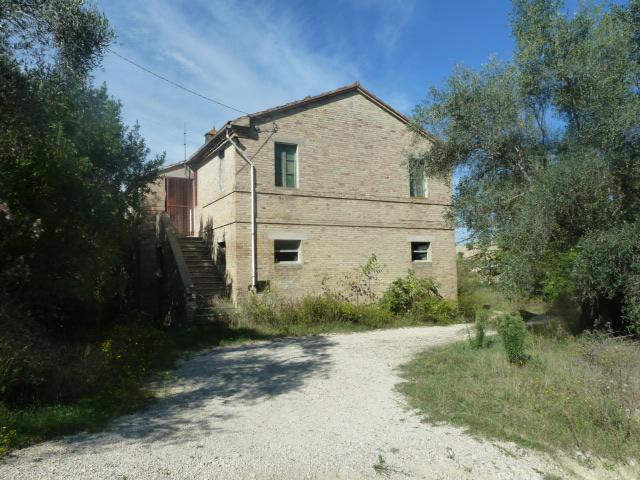 Vendita              casa indipendente Offida 8 240 M� 290.000 €