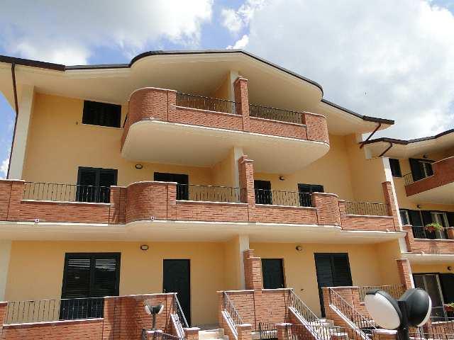 Villa vendita CAMPLI (TE) - 7 LOCALI - 300 MQ