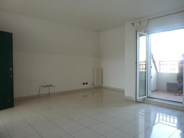 Affitto Appartamento Grottammare 4 80 M� 550 €