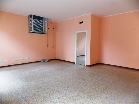 Affitto Locale commerciale San Benedetto del Tronto 0 45 M� 450 €