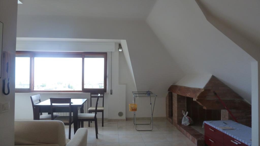 Affitto Attico San Benedetto del Tronto 2 35 M� 350 €