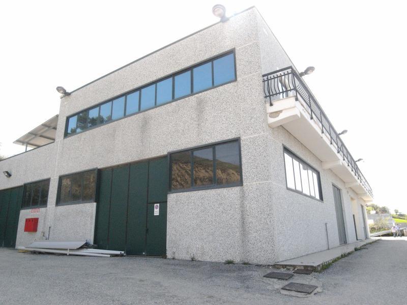 Capannone in vendita a Castorano, 9999 locali, zona Località: SanSilvestro, prezzo € 800.000 | Cambio Casa.it