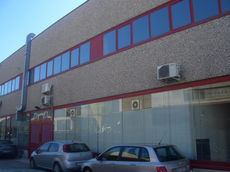 Capannone in vendita a San Benedetto del Tronto, 9999 locali, zona Località: PortodAscoli, prezzo € 300.000 | Cambio Casa.it