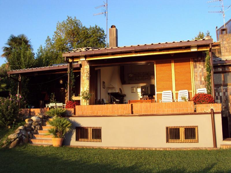 Villa in vendita a Tortoreto, 5 locali, zona Località: TortoretoAlta, prezzo € 500.000 | Cambio Casa.it