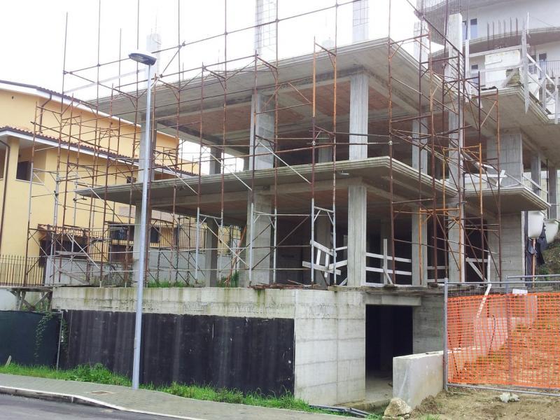 Soluzione Indipendente in vendita a San Benedetto del Tronto, 10 locali, zona Località: PaeseAlto-Ponterotto, prezzo € 330.000   Cambio Casa.it