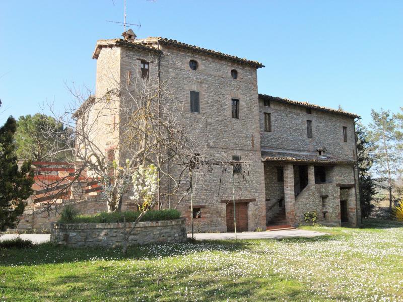 Soluzione Indipendente in vendita a Comunanza, 15 locali, prezzo € 450.000 | CambioCasa.it