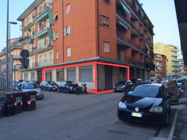 Negozio / Locale in affitto a San Benedetto del Tronto, 9999 locali, zona Località: zonaAscolani, prezzo € 1.100 | Cambio Casa.it