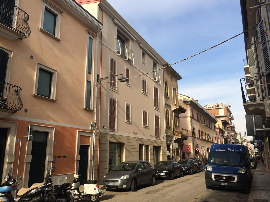 Negozio / Locale in vendita a San Benedetto del Tronto, 9999 locali, zona Località: ZonaCentrale, prezzo € 300.000 | CambioCasa.it