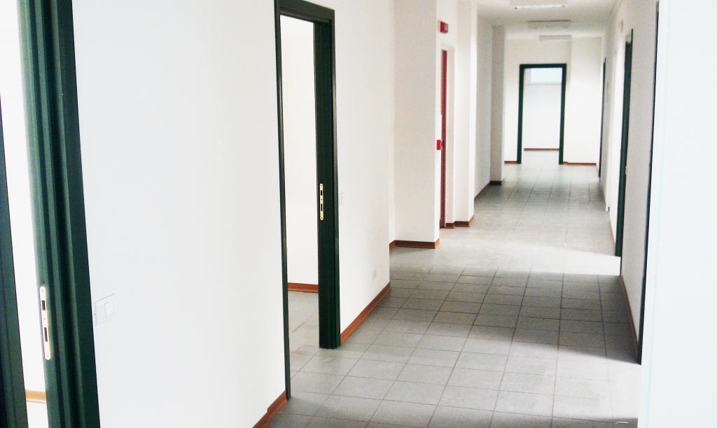 Ufficio / Studio in affitto a Fermo, 9999 locali, prezzo € 1.400 | Cambio Casa.it