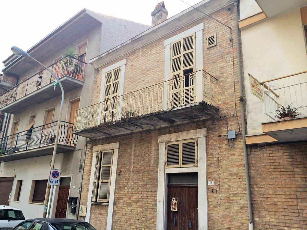 Soluzione Indipendente in vendita a San Benedetto del Tronto, 5 locali, zona Località: PortodAscoli, prezzo € 139.000 | Cambio Casa.it
