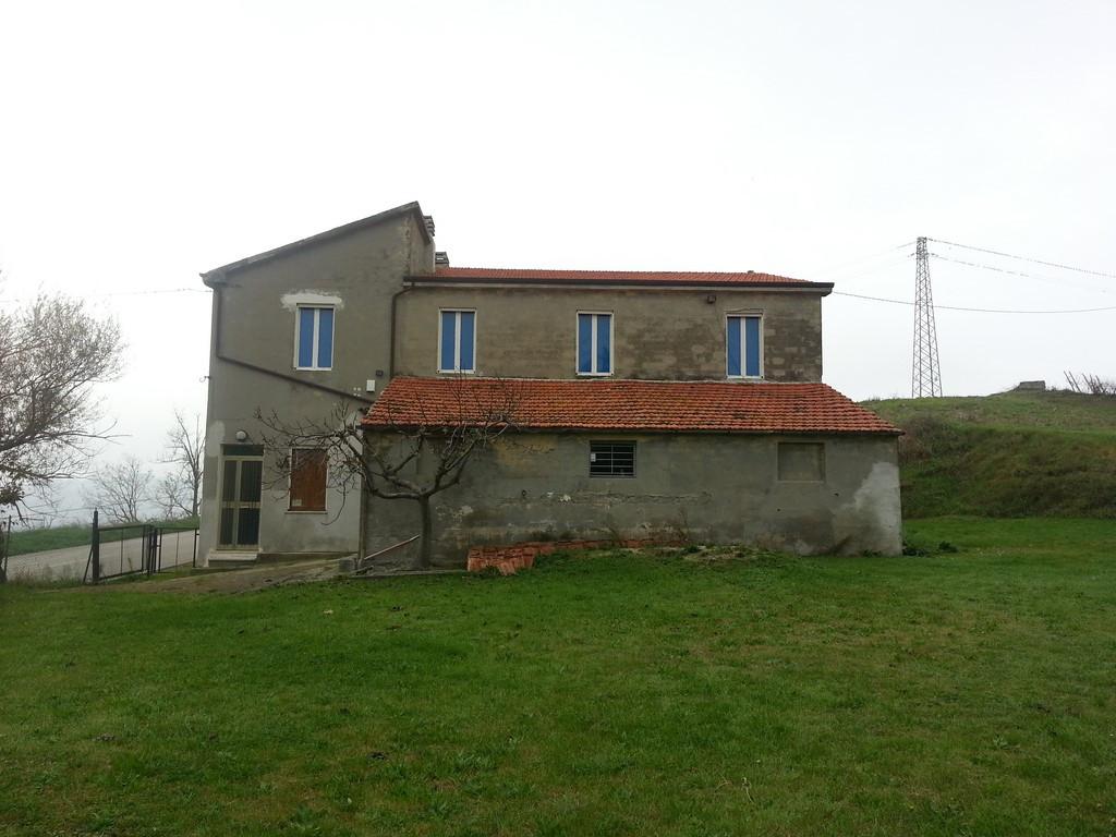 Rustico / Casale in vendita a Ripatransone, 6 locali, prezzo € 220.000 | Cambio Casa.it