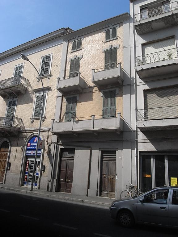 Soluzione Indipendente in vendita a San Benedetto del Tronto, 13 locali, zona Località: zonaCentrale, prezzo € 350.000 | CambioCasa.it
