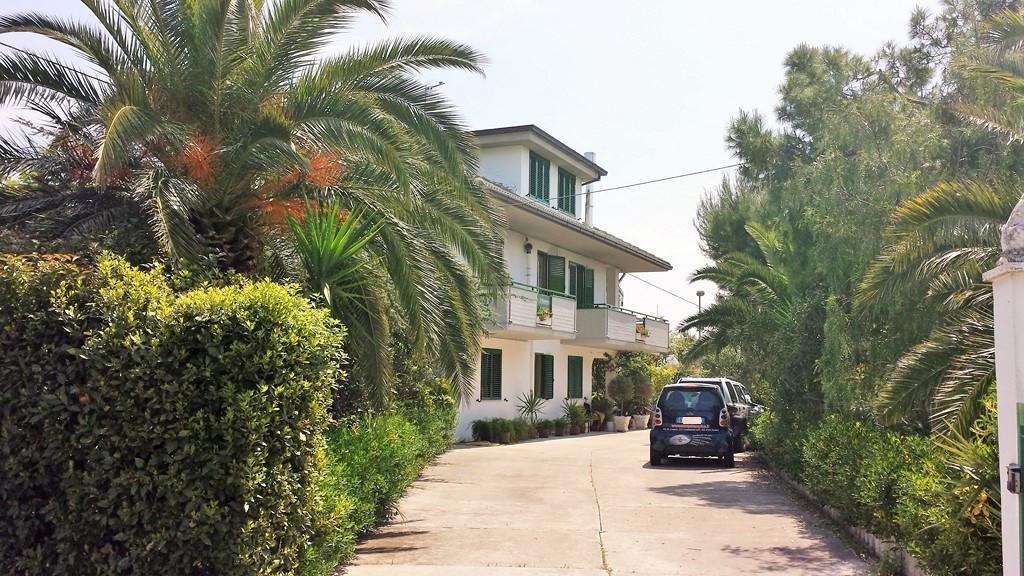 Villa in vendita a Monteprandone, 8 locali, prezzo € 490.000 | Cambio Casa.it
