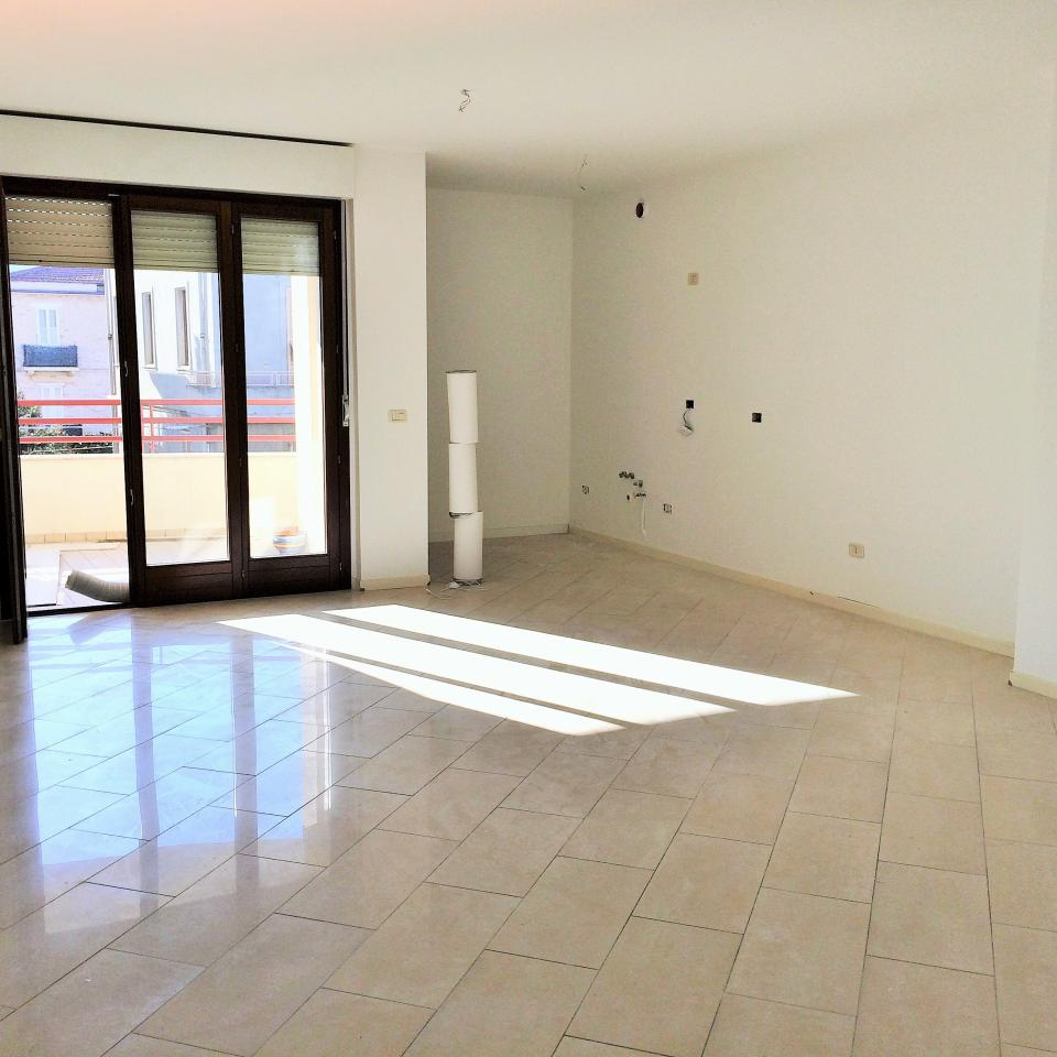 Appartamento in vendita a San Benedetto del Tronto, 3 locali, zona Località: zonaporto, prezzo € 230.000 | CambioCasa.it