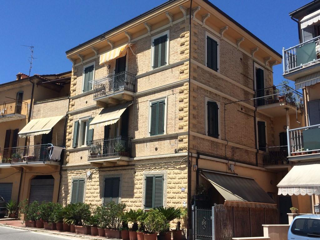 Appartamento in vendita a San Benedetto del Tronto, 3 locali, zona Località: PaeseAlto-Ponterotto, prezzo € 137.000 | CambioCasa.it