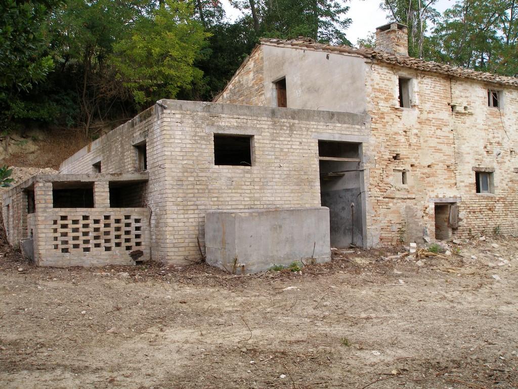 Rustico / Casale in vendita a Petritoli, 4 locali, prezzo € 80.000 | Cambio Casa.it