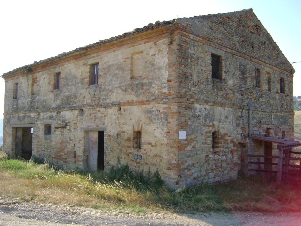 Rustico / Casale in vendita a Montefiore dell'Aso, 5 locali, prezzo € 195.000 | Cambio Casa.it
