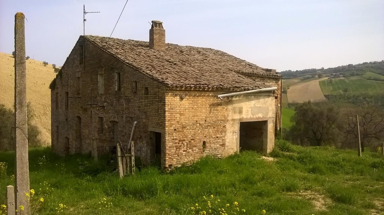 Rustico / Casale in vendita a Montefiore dell'Aso, 5 locali, prezzo € 160.000 | Cambio Casa.it