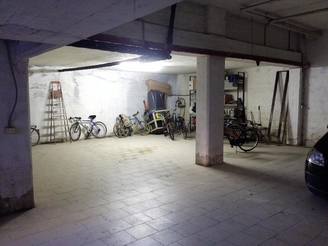 Box / Garage in vendita a San Benedetto del Tronto, 1 locali, zona Località: zonaCentrale, prezzo € 80.000 | CambioCasa.it