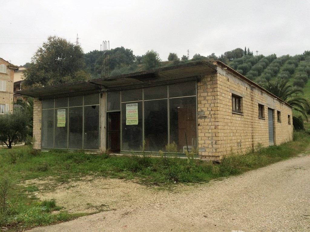 Capannone in vendita a Petritoli, 9999 locali, prezzo € 80.000 | CambioCasa.it
