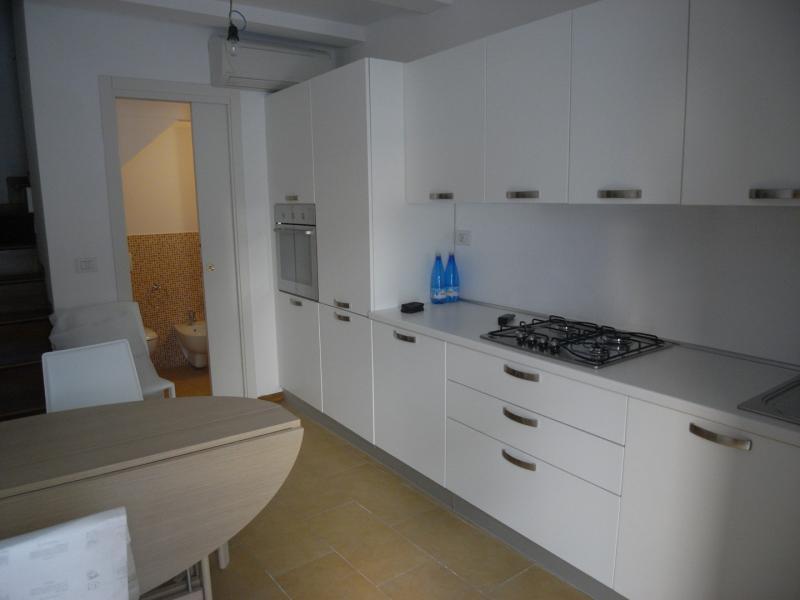 Soluzione Indipendente in vendita a San Benedetto del Tronto, 3 locali, zona Località: ZonaCentrale, prezzo € 165.000 | CambioCasa.it