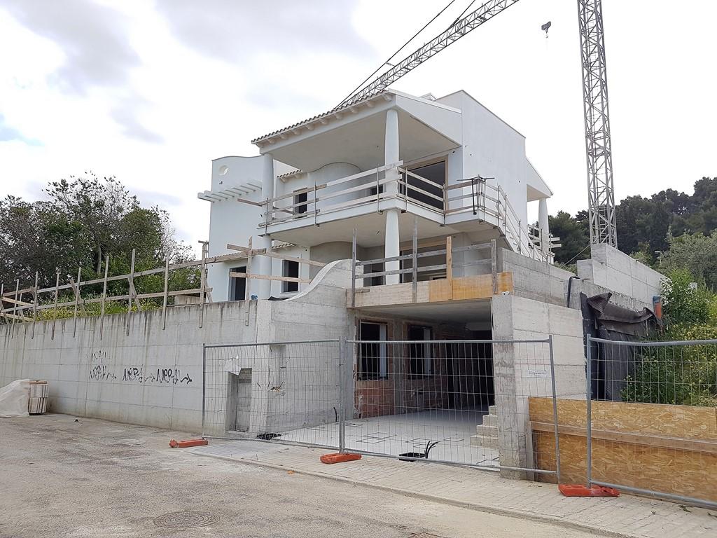 Villa in vendita a San Benedetto del Tronto, 6 locali, zona Località: zonaLeoni, prezzo € 500.000 | CambioCasa.it