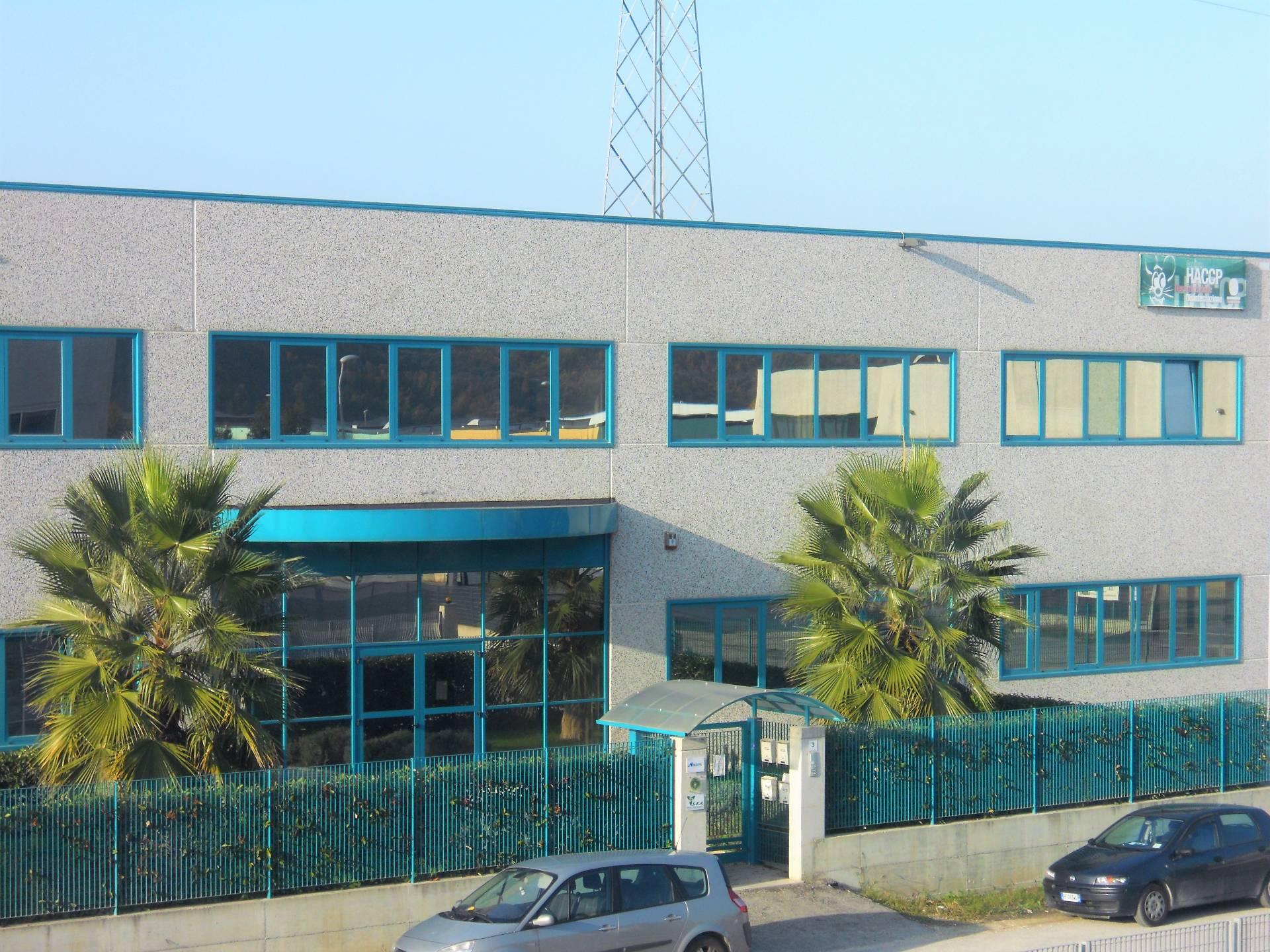 Ufficio / Studio in affitto a Spinetoli, 9999 locali, zona Zona: Pagliare, prezzo € 500 | CambioCasa.it