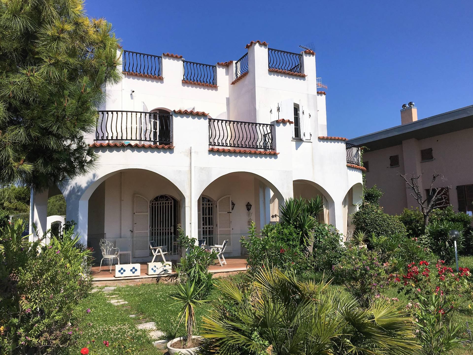 Villa in vendita a San Benedetto del Tronto, 5 locali, prezzo € 650.000 | CambioCasa.it
