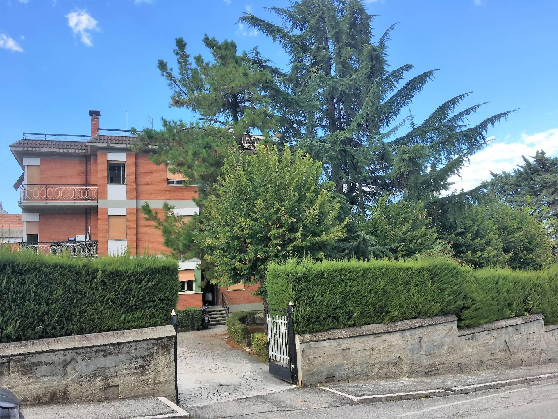 Appartamento in vendita a Ascoli Piceno, 4 locali, zona Località: PortaMaggiore, prezzo € 150.000 | CambioCasa.it
