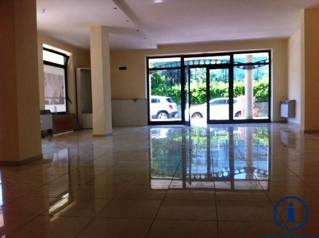 Negozio / Locale in vendita a Caserta, 9999 locali, zona Località: Caserta2(Cerasola, prezzo € 195.000 | Cambio Casa.it