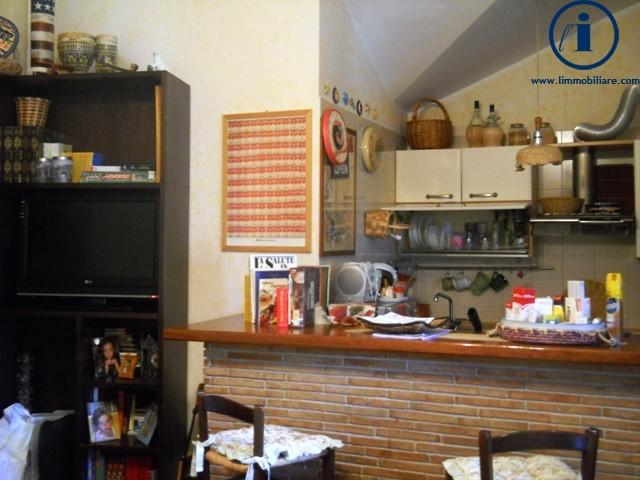 Attico / Mansarda in vendita a Caserta, 3 locali, zona Località: SanClemente, prezzo € 85.000   Cambio Casa.it