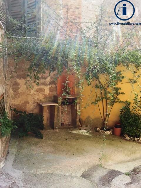 Bilocale Castel Morrone Via San Vincenzo 9
