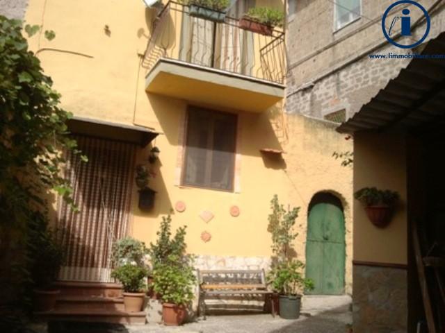 Bilocale Castel Morrone Via San Vincenzo 1