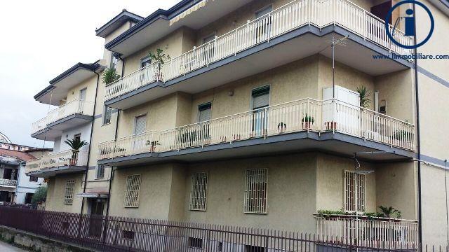 Palazzo / Stabile in vendita a Caserta, 4 locali, zona Zona: Tredici, prezzo € 850.000 | Cambio Casa.it