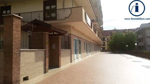 Negozio / Locale in Vendita a San Nicola la Strada