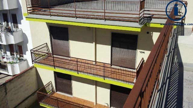 Palazzo / Stabile in Vendita a Maddaloni