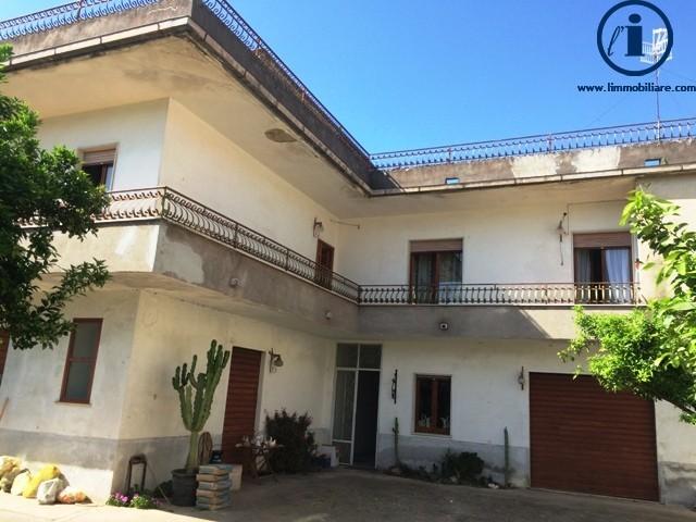 Soluzione Indipendente in vendita a Portico di Caserta, 4 locali, prezzo € 360.000 | Cambio Casa.it