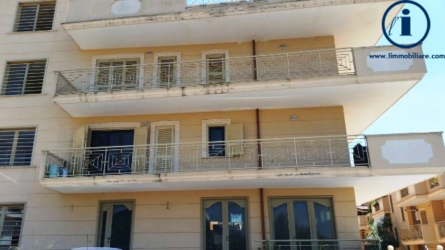 Negozio / Locale in vendita a Caserta, 9999 locali, zona Località: S.aBarbara, prezzo € 240.000 | Cambio Casa.it