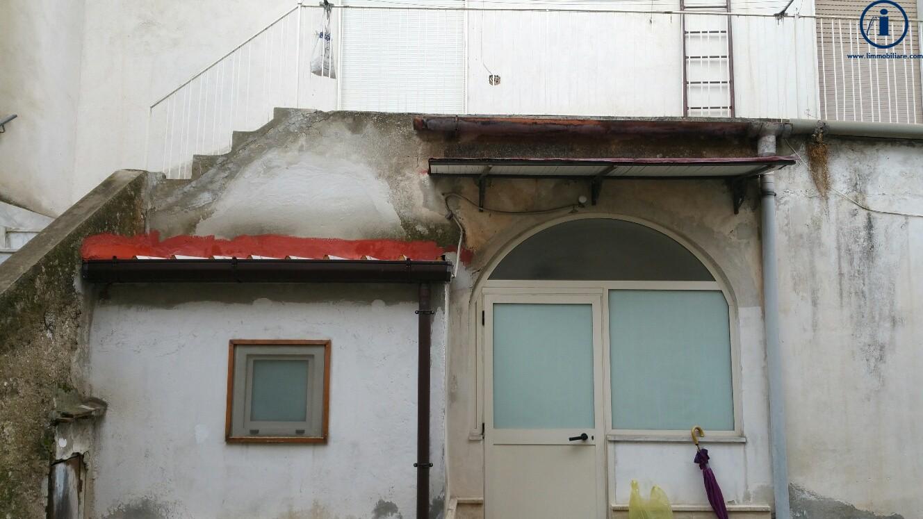 Soluzione Indipendente in vendita a Caserta, 3 locali, zona Località: SanClemente, prezzo € 60.000 | Cambio Casa.it