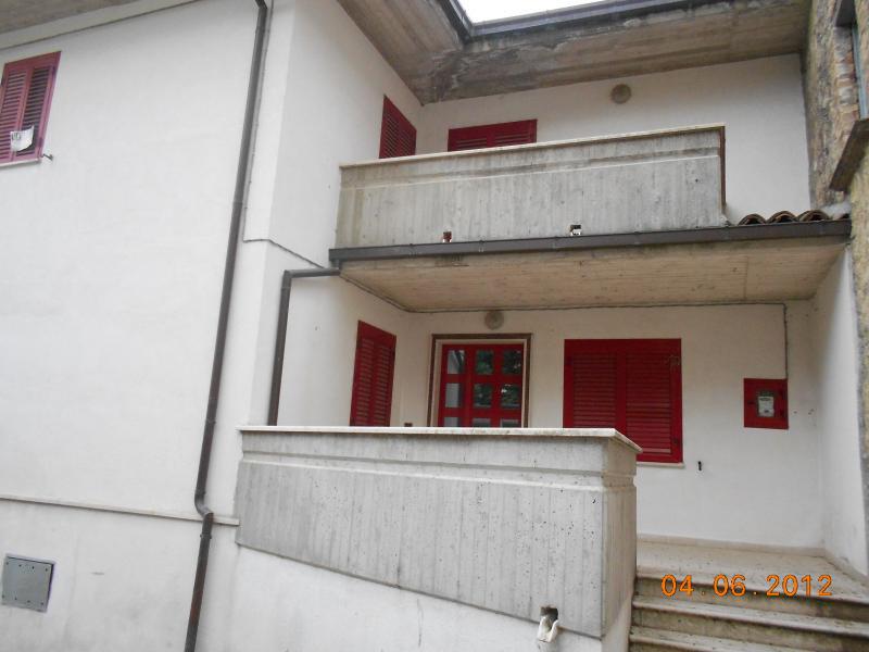 Casa Indipendente vendita CIVITELLA DEL TRONTO (TE) - 6 LOCALI - 150 MQ