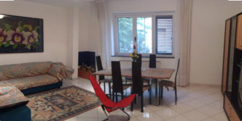 Appartamento in vendita a Martinsicuro, 5 locali, Trattative riservate | Cambio Casa.it