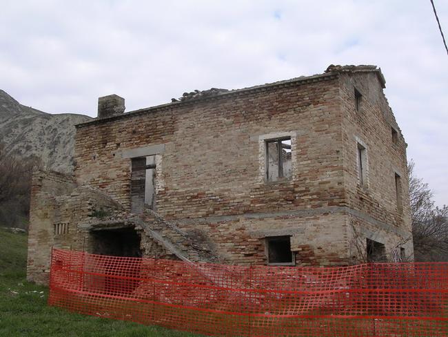 Rustico / Casale in Vendita a Castignano