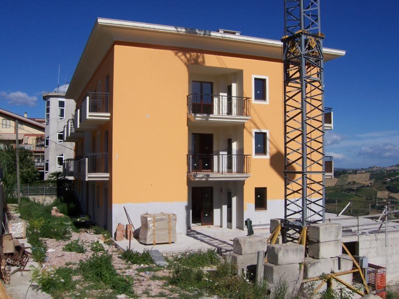 Appartamento in vendita a Acquaviva Picena, 3 locali, zona Località: Centrale, prezzo € 108.000 | Cambio Casa.it