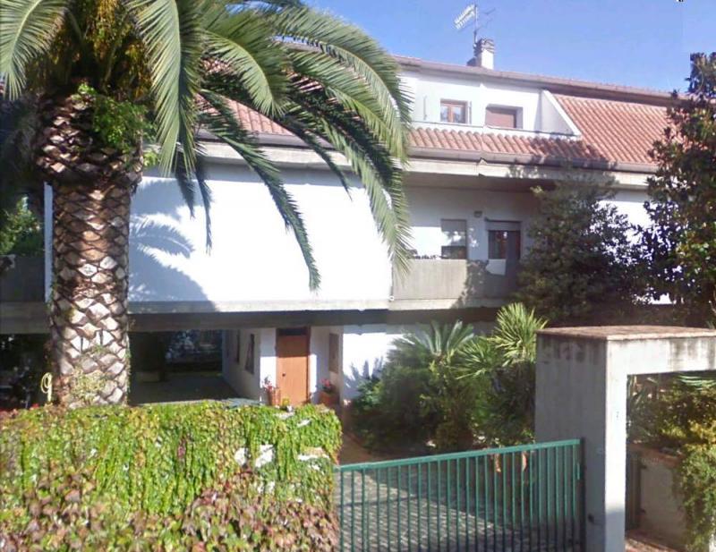 Villa in vendita a San Benedetto del Tronto, 12 locali, zona Località: Residenziale, prezzo € 1.000.000 | CambioCasa.it