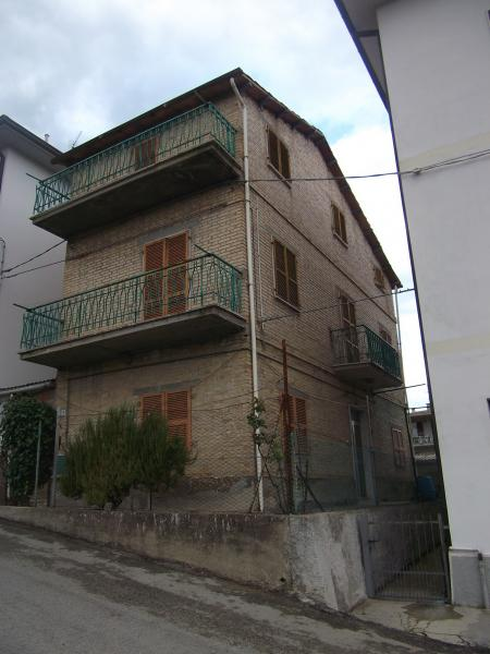 Soluzione Indipendente in vendita a San Benedetto del Tronto, 8 locali, zona Località: Periferica, prezzo € 120.000 | Cambio Casa.it